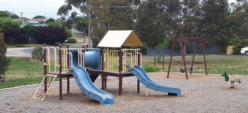 Play space at Morrissey Reserve in Castlemaine.