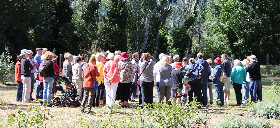Group of walkers touring the Castlemaine Botanical Gardens.