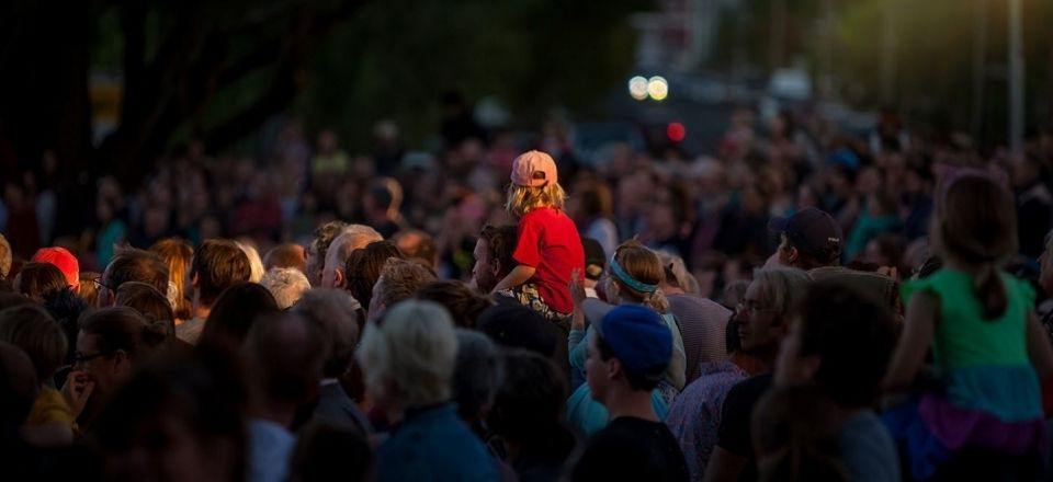 Boy on shoulders at Castlemaine State Festival 2019.
